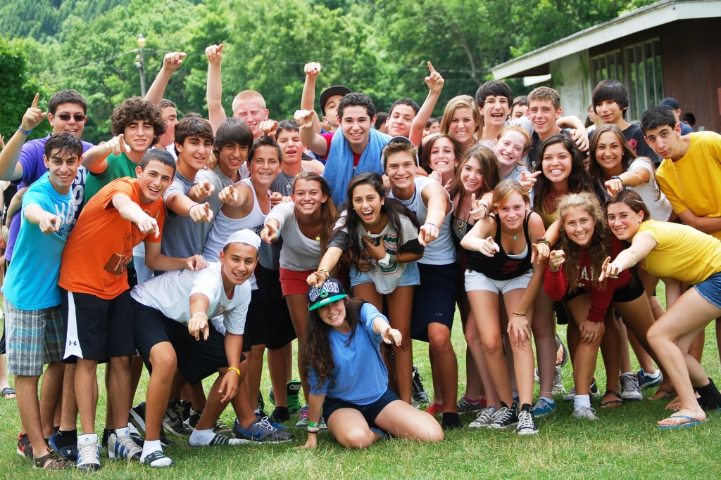 group-of-kids-large-yachad-group